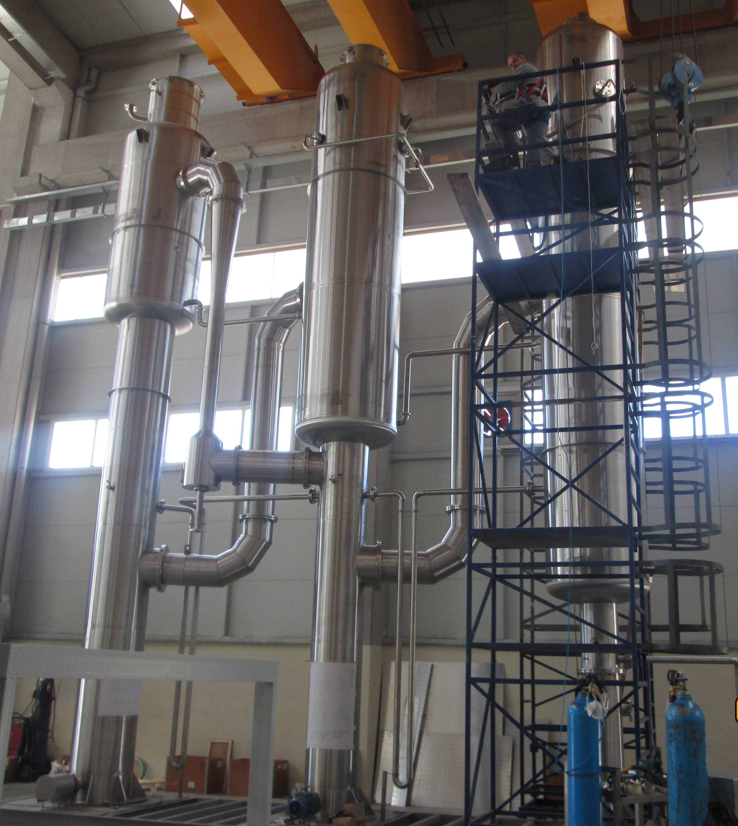 products_image_9737696-falling-film-evaporator-during-manufacture.jpg